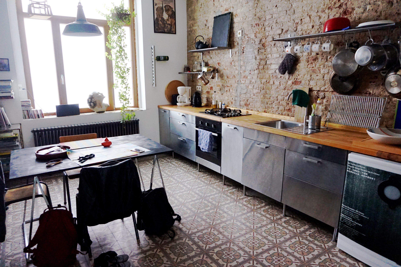 i denne artistiske airbnb bor du lokalt og centralt i bruxelles cammi dk. Black Bedroom Furniture Sets. Home Design Ideas