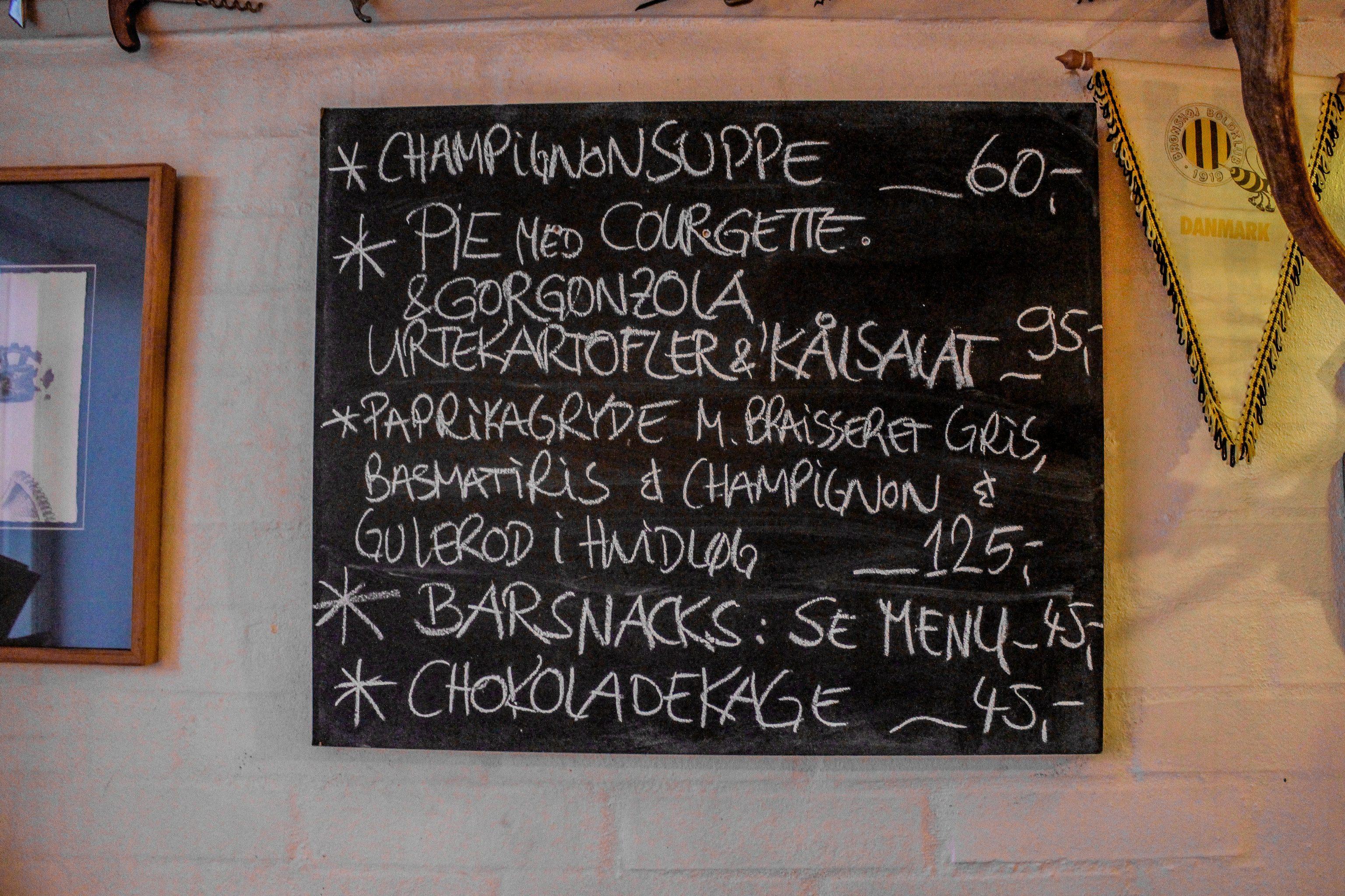 Vinbaren Provianten i Gudhjem er en ud af mange gode restauranter og spisesteder på Bornholm